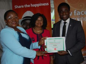 Member, Nutrition Society of Nigeria (NSN) Professor Lilian Salami (left), President, Dr. Ngozi Nnam and the Senior Brand Manager Maltina, Mr. Adewole Adedeji at the Nutrition Society of Nigeria Presentation of Endorsement Certificate to Maltina during the opening session of the 45th annual general meeting and scientific conference 2015 in Lagos