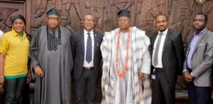 L-R Alhaja Korede Alatishe, Key Distributor, Nigerian Breweries Plc, Ijebu Ode; His Royal Highness Oba Rasaq Adenugba, The Ebumawe of Ago—Iwoye; Tayo Adelaja, Public Affairs Manager, West/Midwest, Nigerian Breweries Plc; His Royal Majesty, Oba Sikiru Kayode Adetona, Ogbagba 11, The Awujale and Paramount Ruler of Ijebuland; Collins Ejaife, Brewery Manager, Ijebu-Ode; Funso Ayeni, Senior Brand Manager, Regional Mainstream Brands, Nigerian Breweries Plc, when the Goldberg team paid a formal visit to the Palace as part of the brand's activities for the 2016 Ojude Oba Festival - 789marketing
